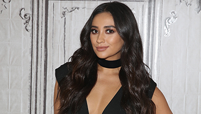GET THE LOOK: SHAY MITCHELL'S SMOKY EYE